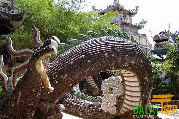 rồng chùa Linh Phước
