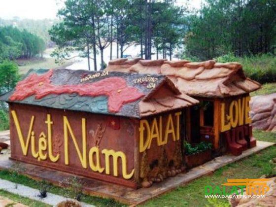 Đường hầm điêu khắc đất sét – Khu du lịch Dalat Star