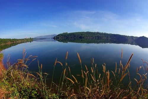 Những hồ nước đẹp ở vùng đất Đại ngàn Tây Nguyên