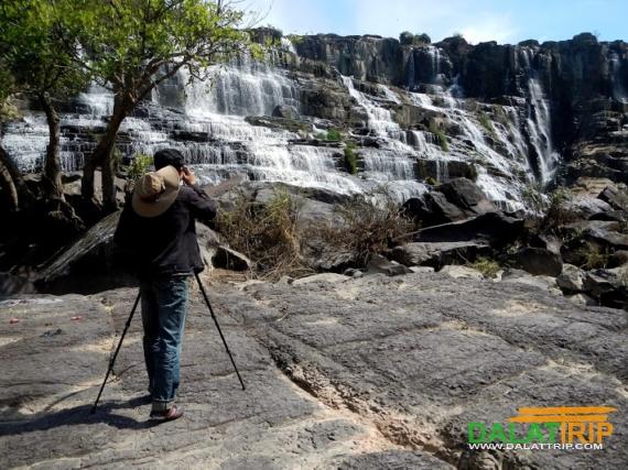 Chụp ảnh thác Pongour
