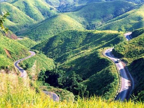 Đèo Ngoạn Mục là con đường đèo dốc nhất miền Nam.