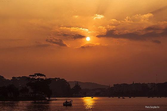 chiều hồ Xuân Hương