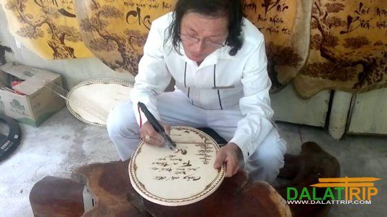 Nghệ thuật chạm tranh bút lửa ở Đà Lạt