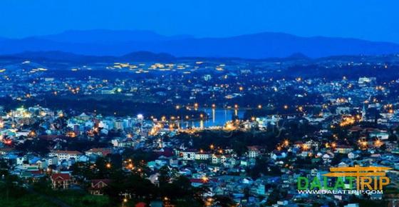 Màn đêm đang bao phủ thành phố Đà Lạt