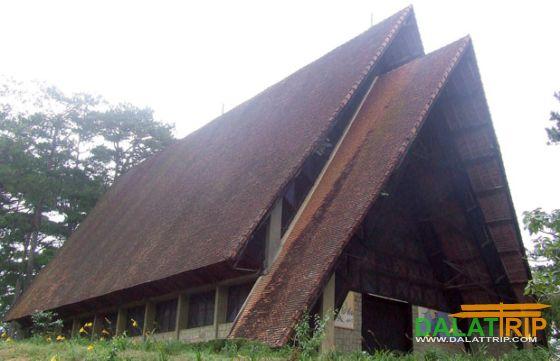 Kiến trúc độc đáo nhà thờ Cam Ly