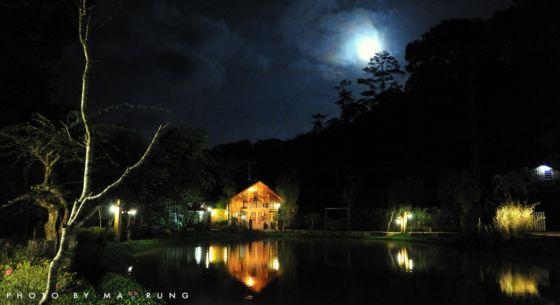 Lữ quán trong màn đêm