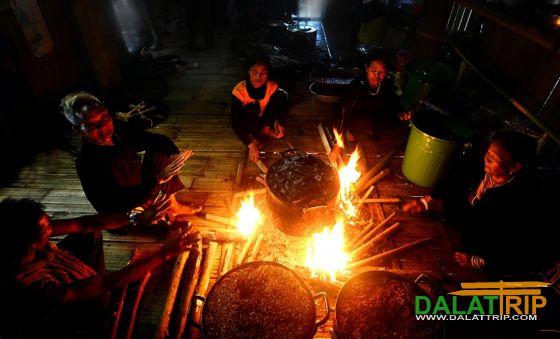 Bếp lửa sinh hoạt gia đình