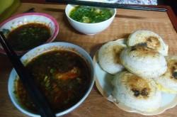 Bánh căn Đà Lạt với hương vị phố núi đặc trưng
