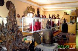 Thăm bảo tàng cổ vật ở thiền viện Vạn Hạnh Đà Lạt