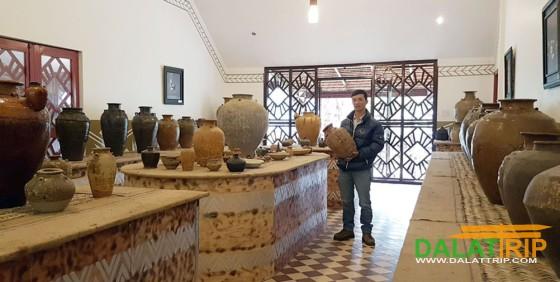 Không gian gốm cổ trong KDL Làng Cù Lần