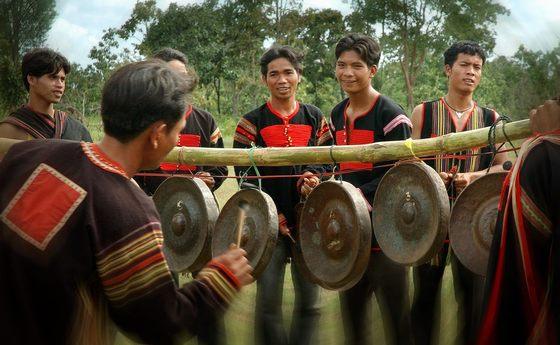 văn hóa cồng chiêng Tây Nguyên