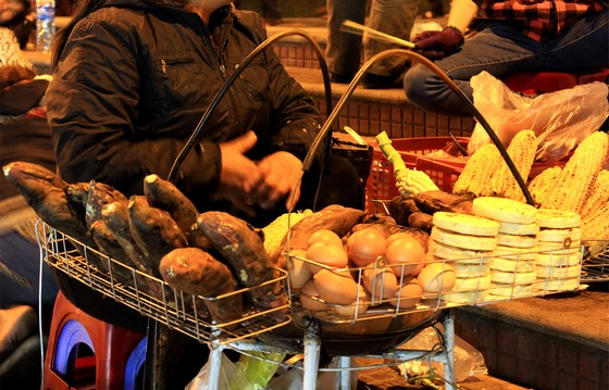 ăn vặt ở chợ đêm Đà Lạt
