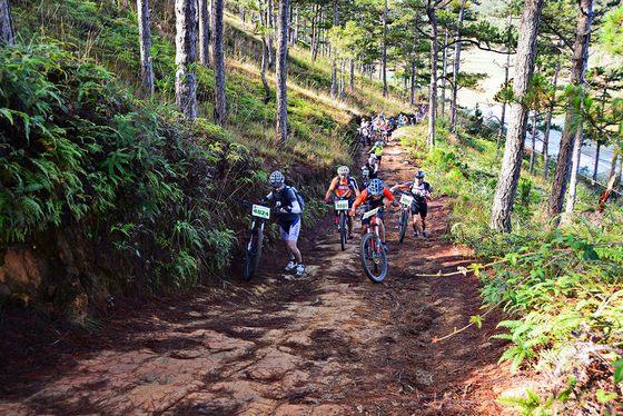 Hoạt động du lịch -thể thao gắn với môi trường
