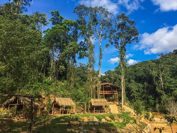 Những khu nhà gỗ ở Hoa Sơn Điền Trang