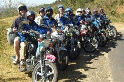 Hành trình những chuyến xe xuyên Việt của đội xe ôm chở khách nước ngoài – Easy Rider