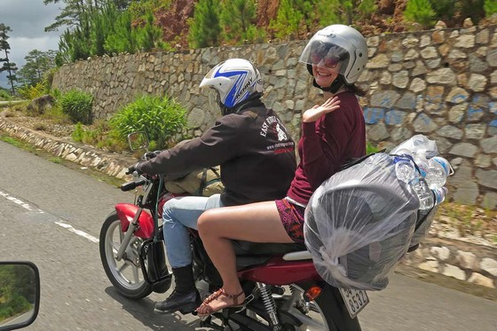 Hành trình xuyên Việt của đội xe ôm Easy Rider