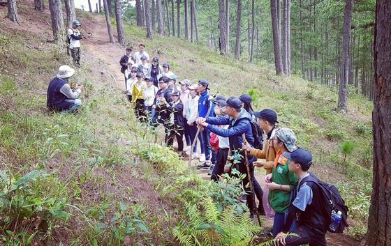 tìm hiểu thiên nhiên kết hợp văn hóa bản địa