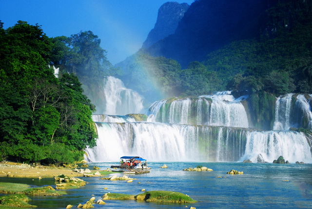 Ba Be Lake & Ban Gioc Waterfall