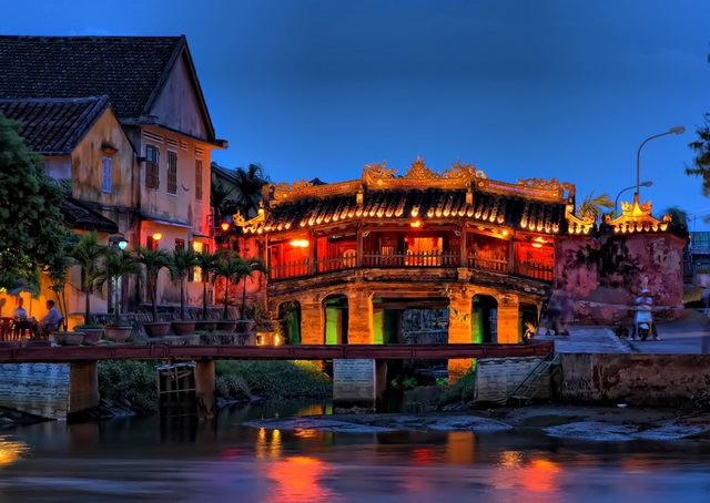 Cau pagoda in Hoi An