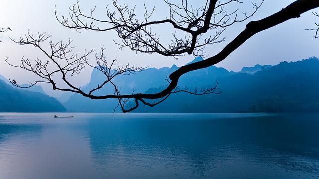 Moring on ba be lake