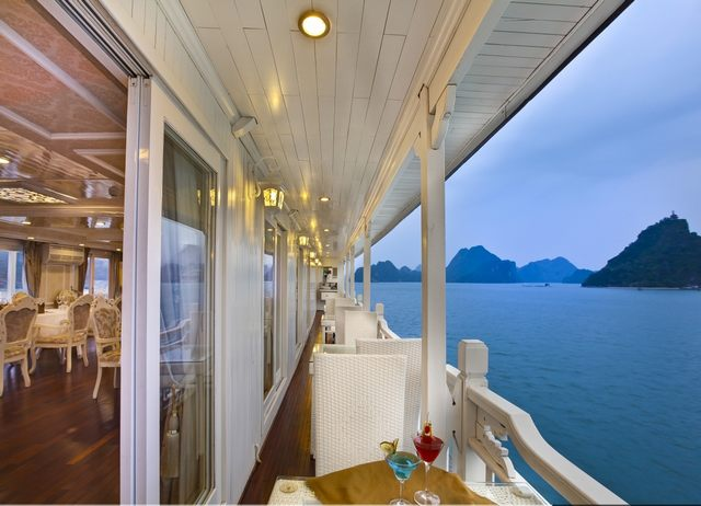 Cruises's Restaurant