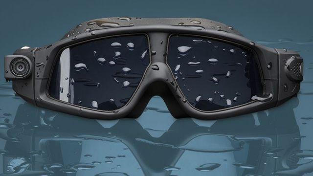 Swim goggles with camera