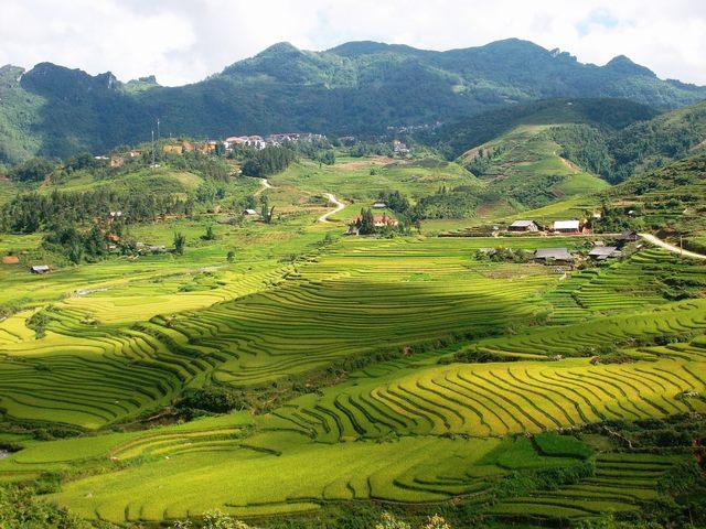 Та Фин Village