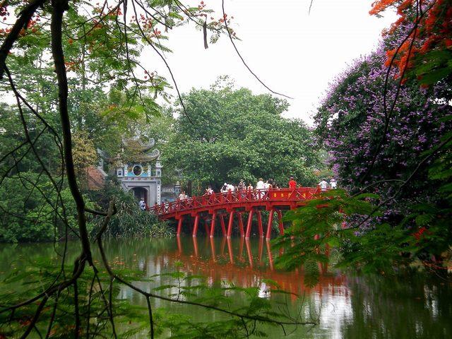 สะพาน Huc ในฮานอย