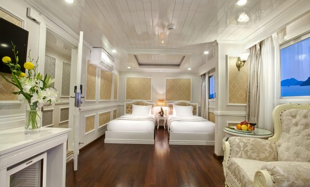 The twined bed room of Signature Halong Cruises