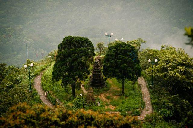 Van Tieu pagoda