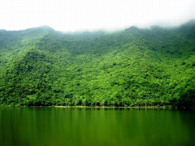Yen Quang lake, Nho Quan, Ninh Binh