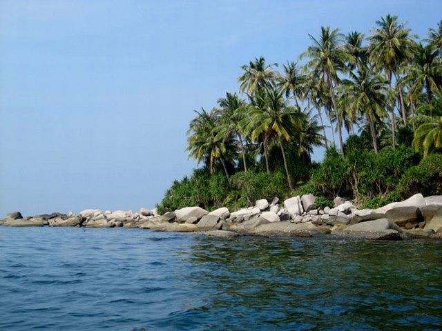 a corner of Hon Son island