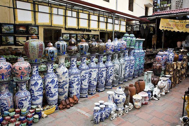 выставочный зал в городе Бат Транг