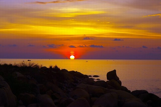 sunset at Hon Son island