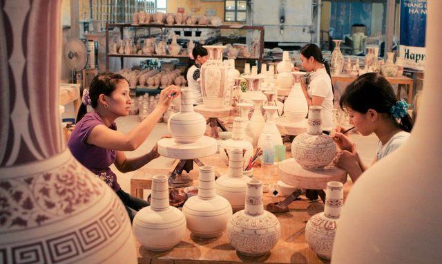 процесс изготовления глиняной посуды