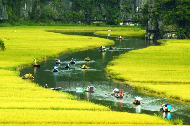 the way to Trang An