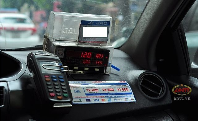 Beware of taxi scams