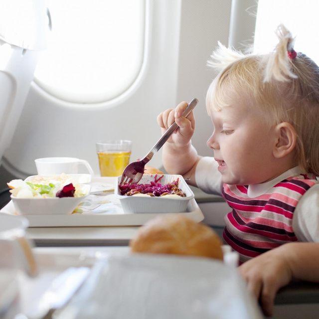Favorite snacks make children feel no fatigue flight