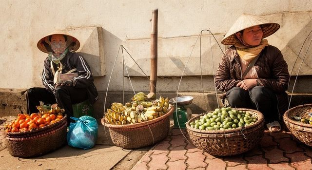 Or street vendors in prosperous urban
