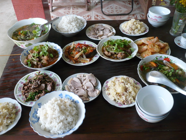 Rules for Dining In Vietnamese culture