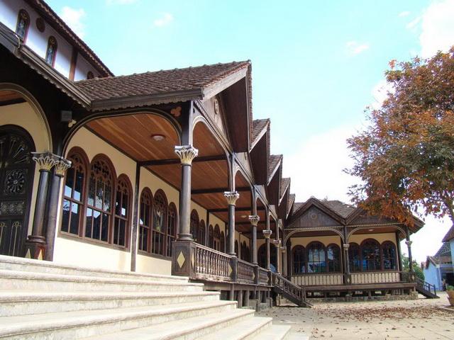 木大教堂的侧