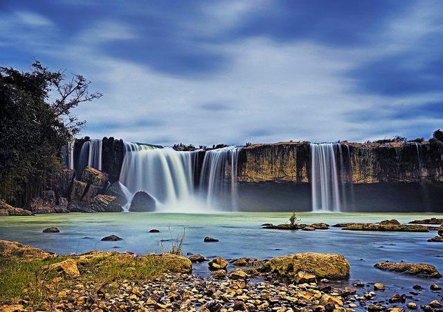 Dray Nur falls - dry season