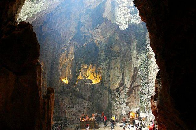 Hoa Nghiem cave - Ngu Hanh Son