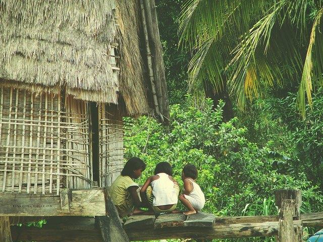 children in Kon K'tu village