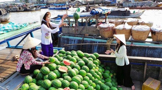 Cai Rang Floating Market, Can Tho