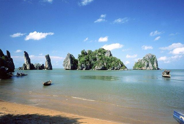 Hon Phu Tu - Father and Son island