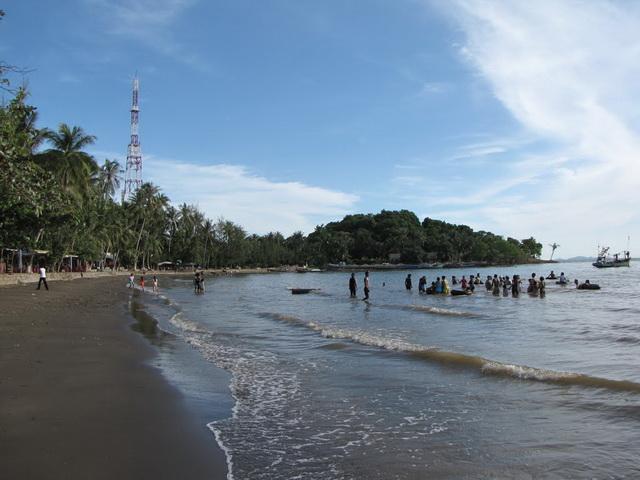 Mui Nai beach with dark sand