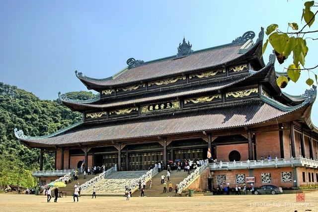 Main hall of Bai Dinh pagoda