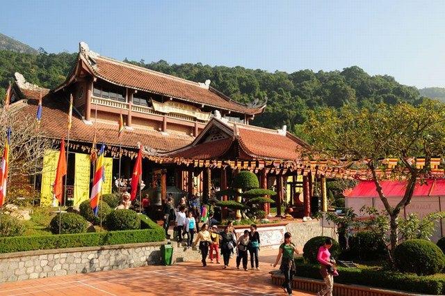 Salle principale du Truc Lam Yen Tu