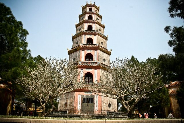 Phuoc Duyen Tower of Thien Mu pagoda